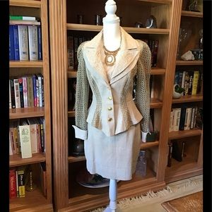 Suit very Elegant and Fashionable in Line